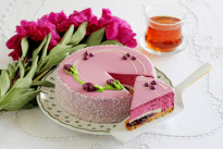 Торт Йогуртовый мусс с черной смородиной  Венский Цех