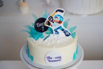 Торт с мультяшным хоккеистом SWEETMARIN