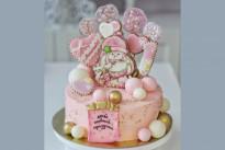 Торт с пряничной девочкой SWEETMARIN