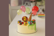 Торт с рожком и шариками SWEETMARIN