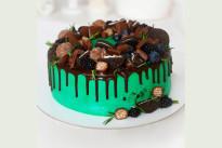Торт с шоколадными сладостями SWEETMARIN