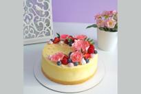 Торт Розы и ягоды SWEETMARIN
