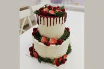 Торт Свадебный с ягодами SWEETMARIN