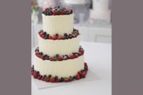 Торт Свадебный ярусный с ягодами SWEETMARIN