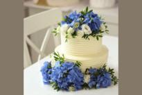 Торт Свадебный с цветами ярусный SWEETMARIN