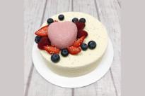 Торт С ягодками и сердечком  SWEETMARIN