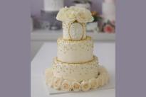 Торт в глазури с живыми цветами SWEETMARIN